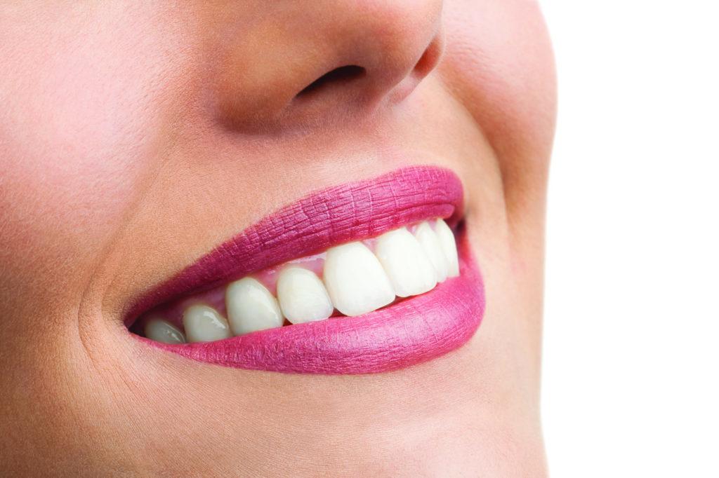 Piękny biały uśmiech dzięki Klinice Koryzna